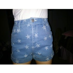 💙Cotton On Star Patterned Blue Jean shorts💙